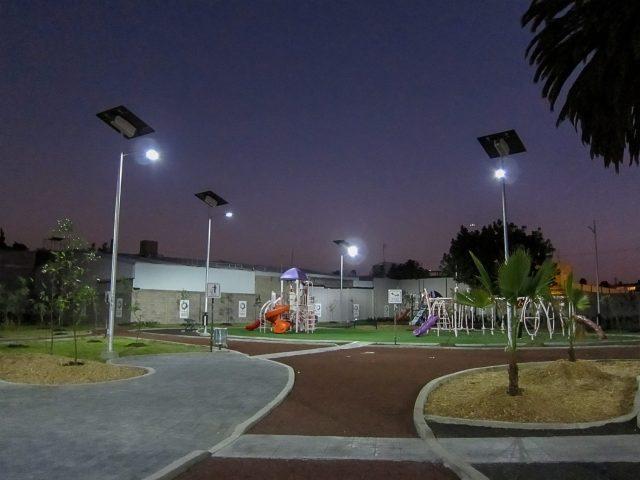 solar park lighting at parque caneguin in mexico city