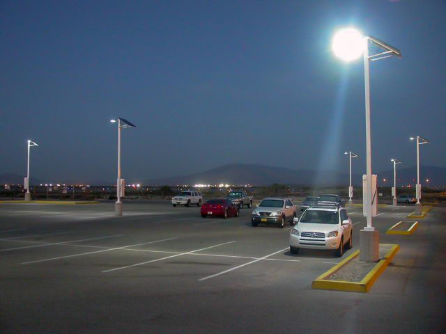 solar-powered parking lot lighting in tucson, arizona