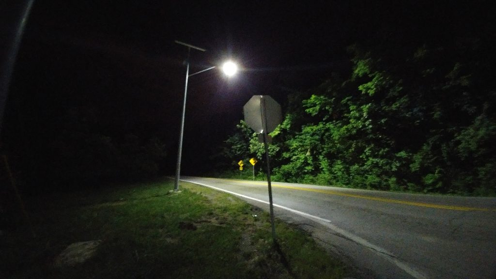 Kansas City, Missouri, TP Series solar street lighting at a remote intersection